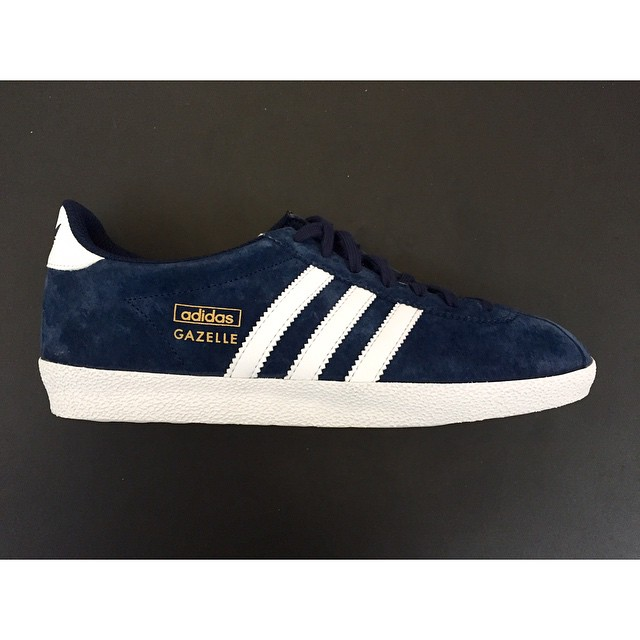 Adidas deliveries in april bluepoint for Gazelle cuisine n 13